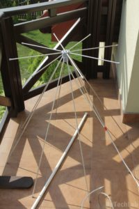 Discone antenna - Mounting on the balcony