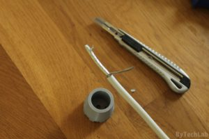 Discone antenna - Preparing coax cable: Twisting the braided shield