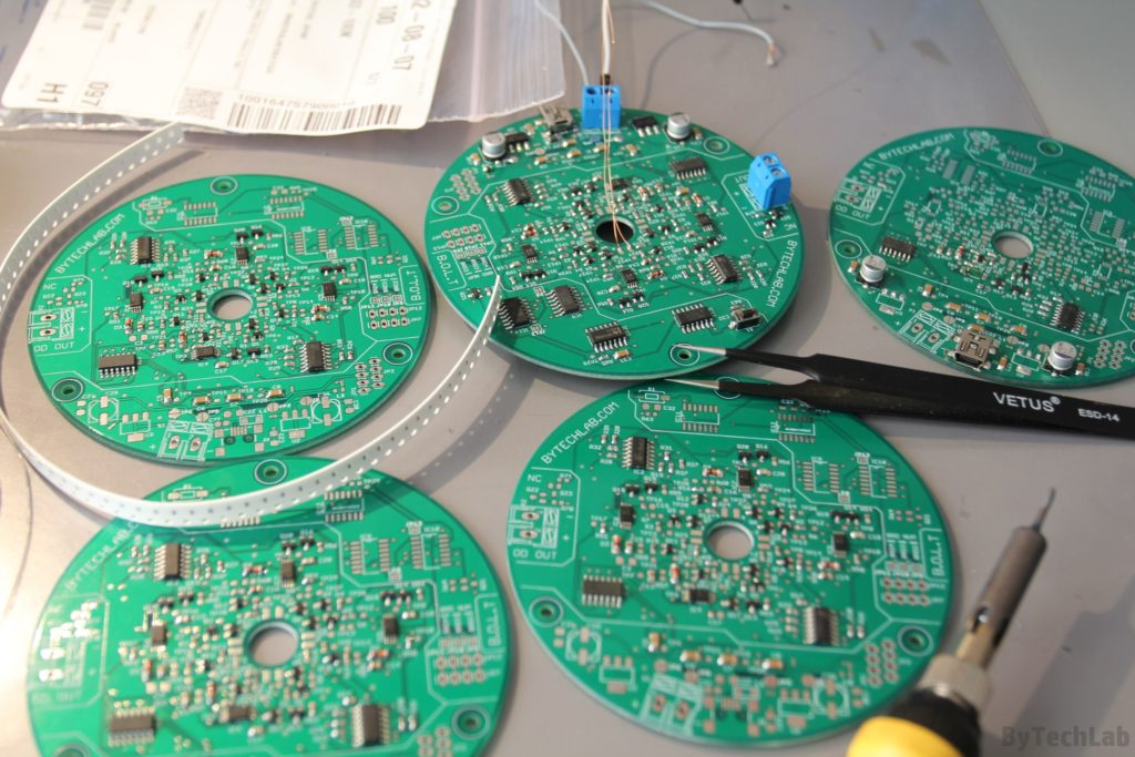 LED Tree - Soldering components on a PCB 3