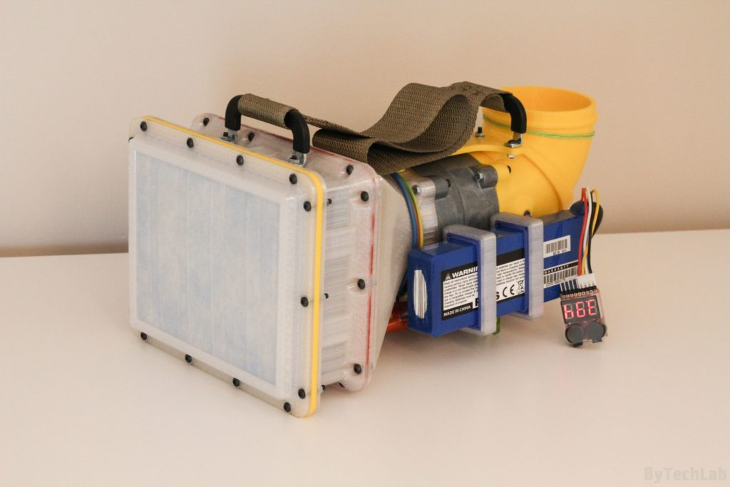 Air filtering unit & pressure suit (COVID-19) - Front view 1